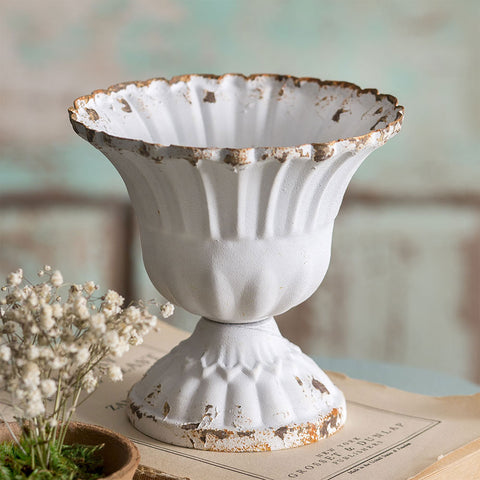 Medium Distressed Scalloped Cup