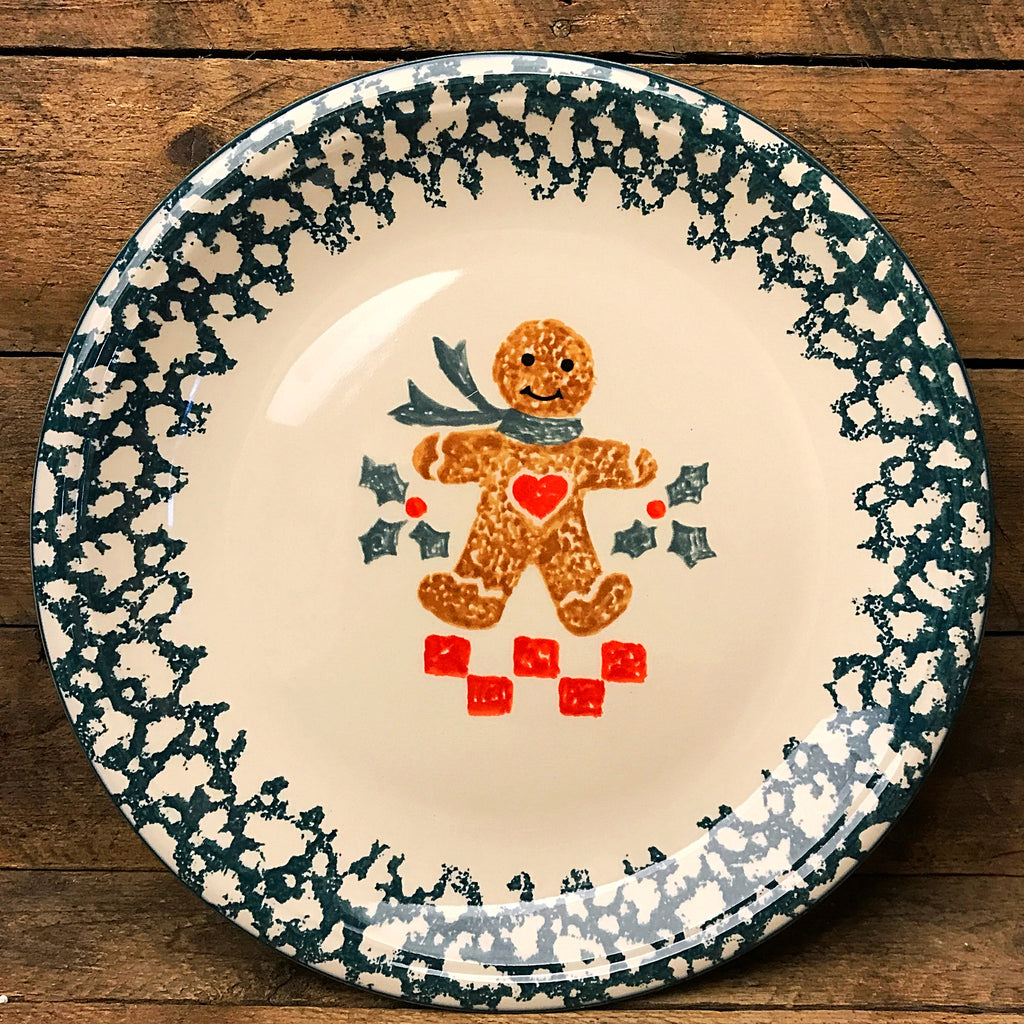 "Tienshan Folkcraft Gingerbread and Holly Plate 10"" D"