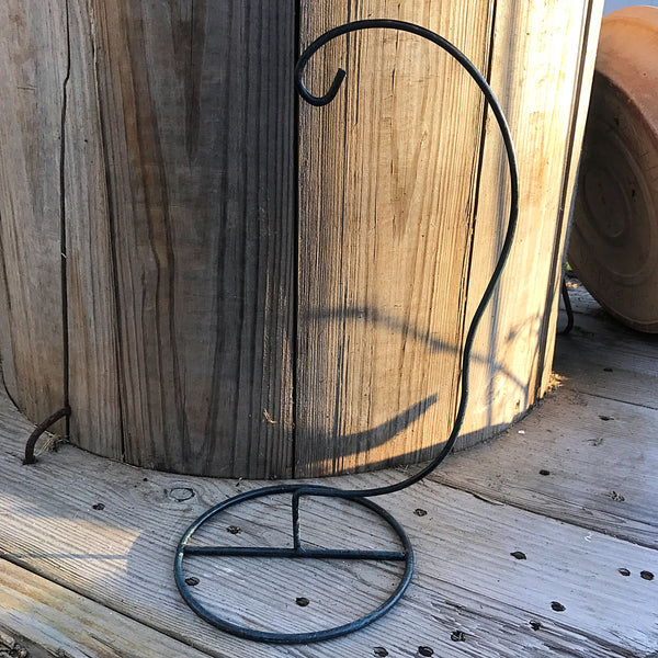 Curved Metal Hanging Ornament Stand