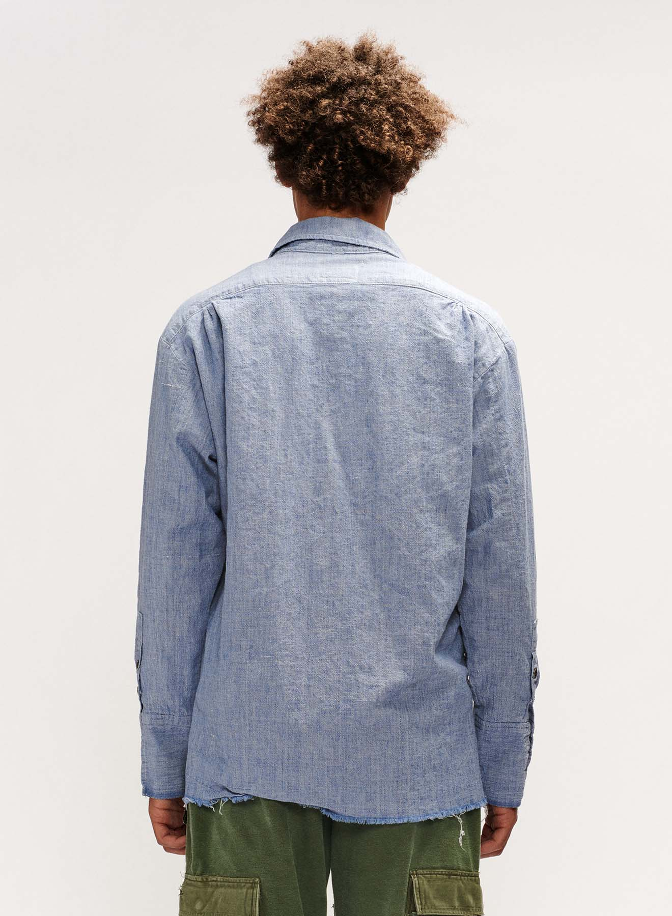 CHAMBRAY DRESS SHIRT