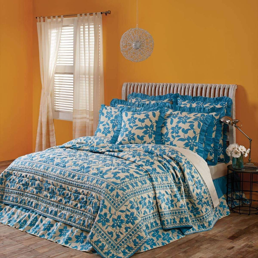 3 Coast Way Quilt Briar Azure Queen Quilt 90Wx90L