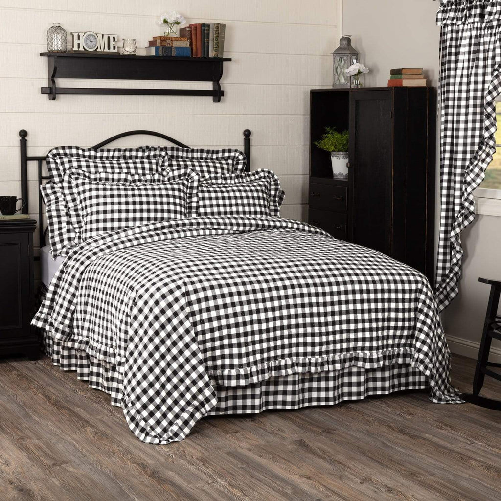 April & Olive Coverlet Annie Buffalo Black Check Ruffled California King Quilt Coverlet 130Wx115L
