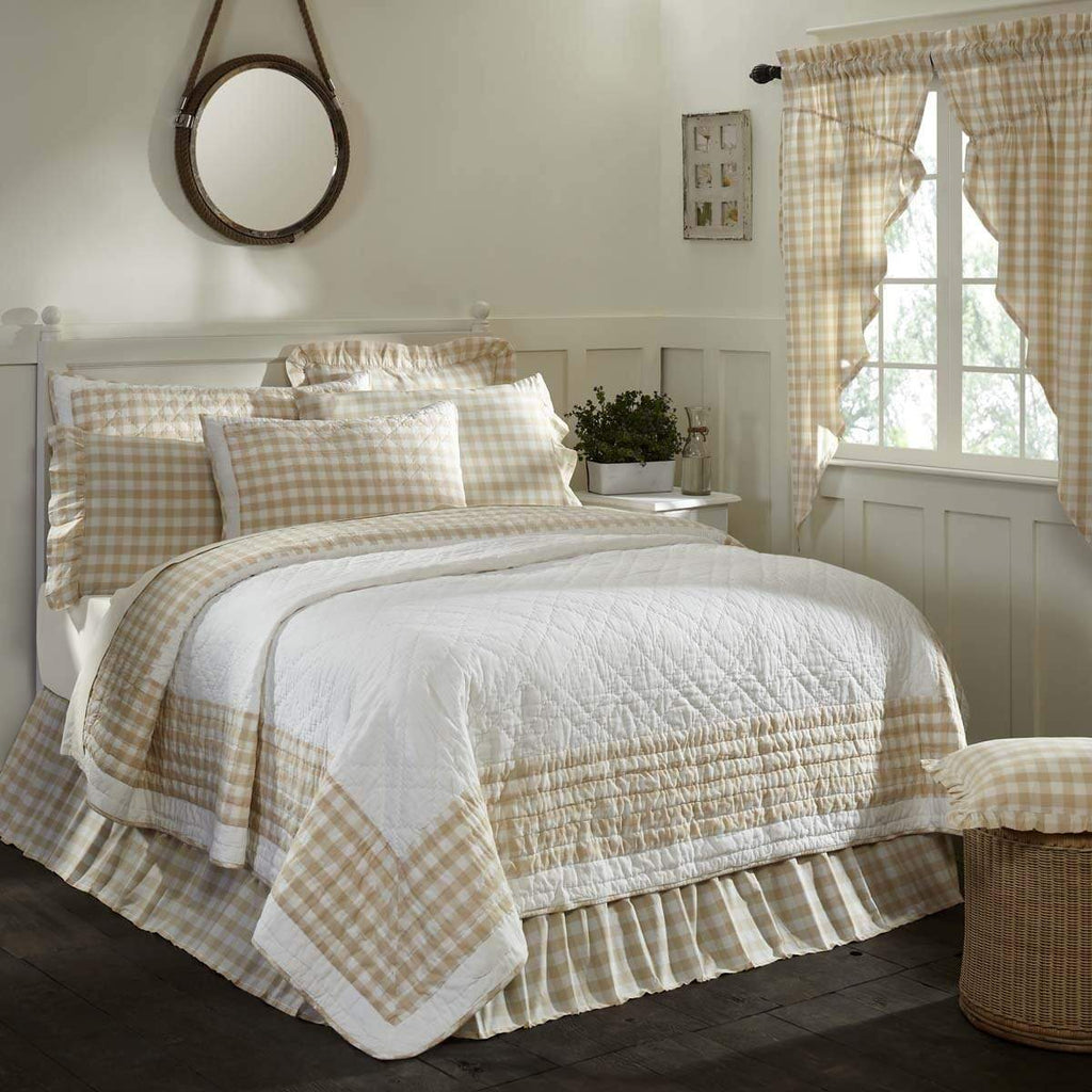 April & Olive Quilt Annie Buffalo Tan Check Luxury King Quilt 120Wx105L