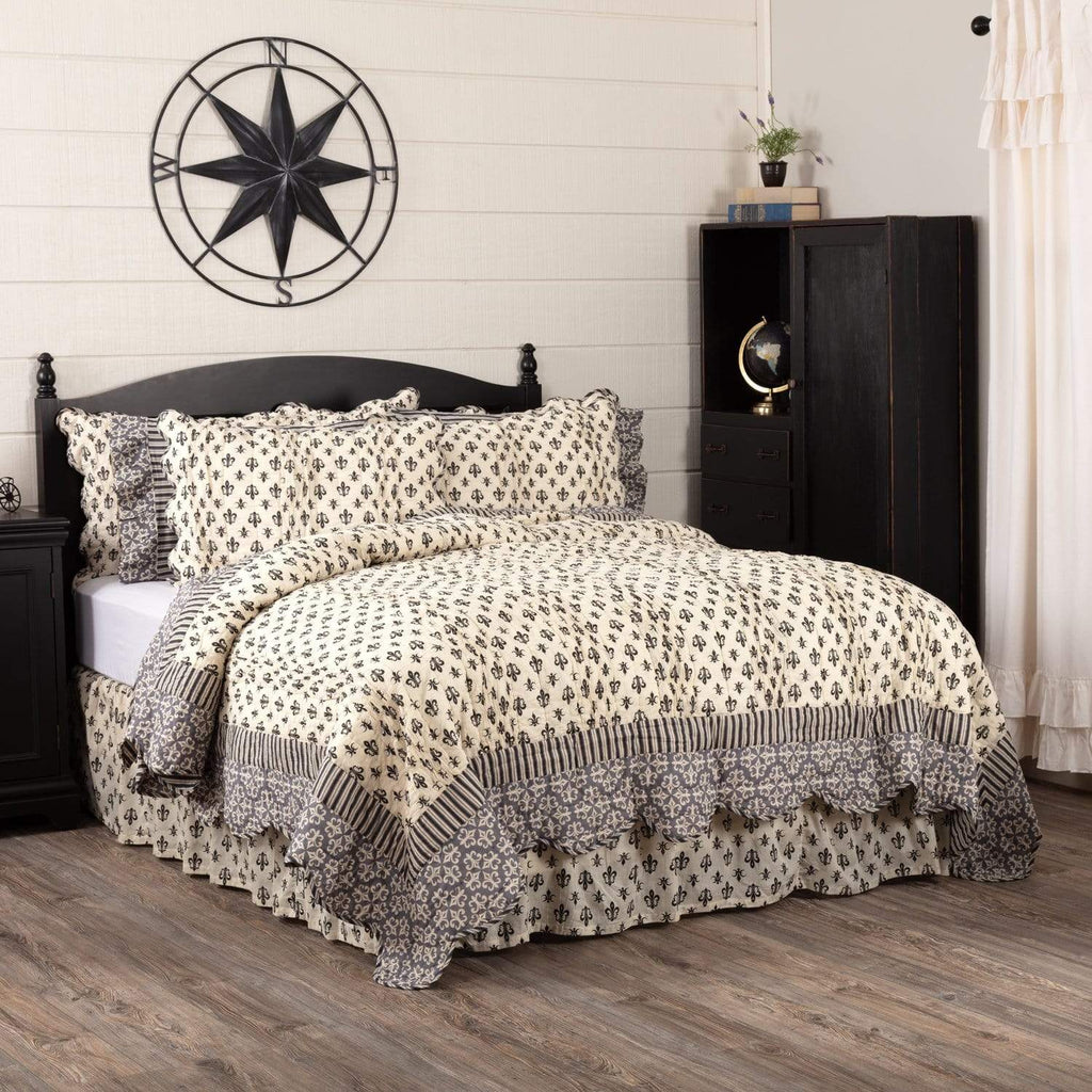 April & Olive Quilt Elysee Luxury King Quilt 120Wx105L