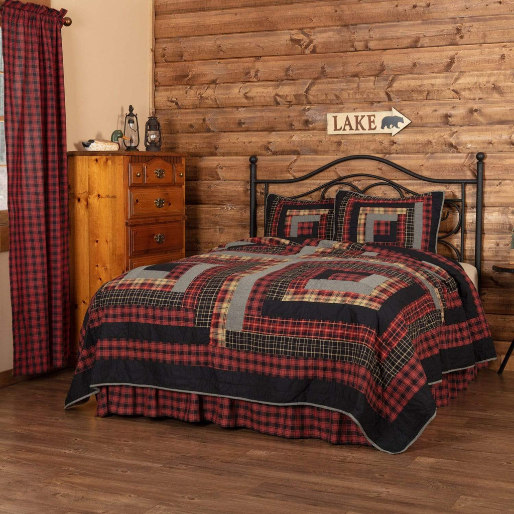 The Village Country Store Quilt Cumberland King Quilt Set; 1-Quilt 105Wx95L w/2 Shams 21x37