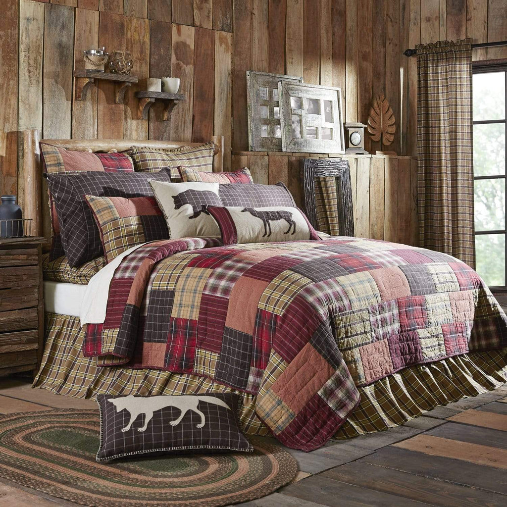 The Village Country Store Quilt Wyatt Queen Quilt Set; 1-Quilt 90Wx90L w/2 Shams 21x27