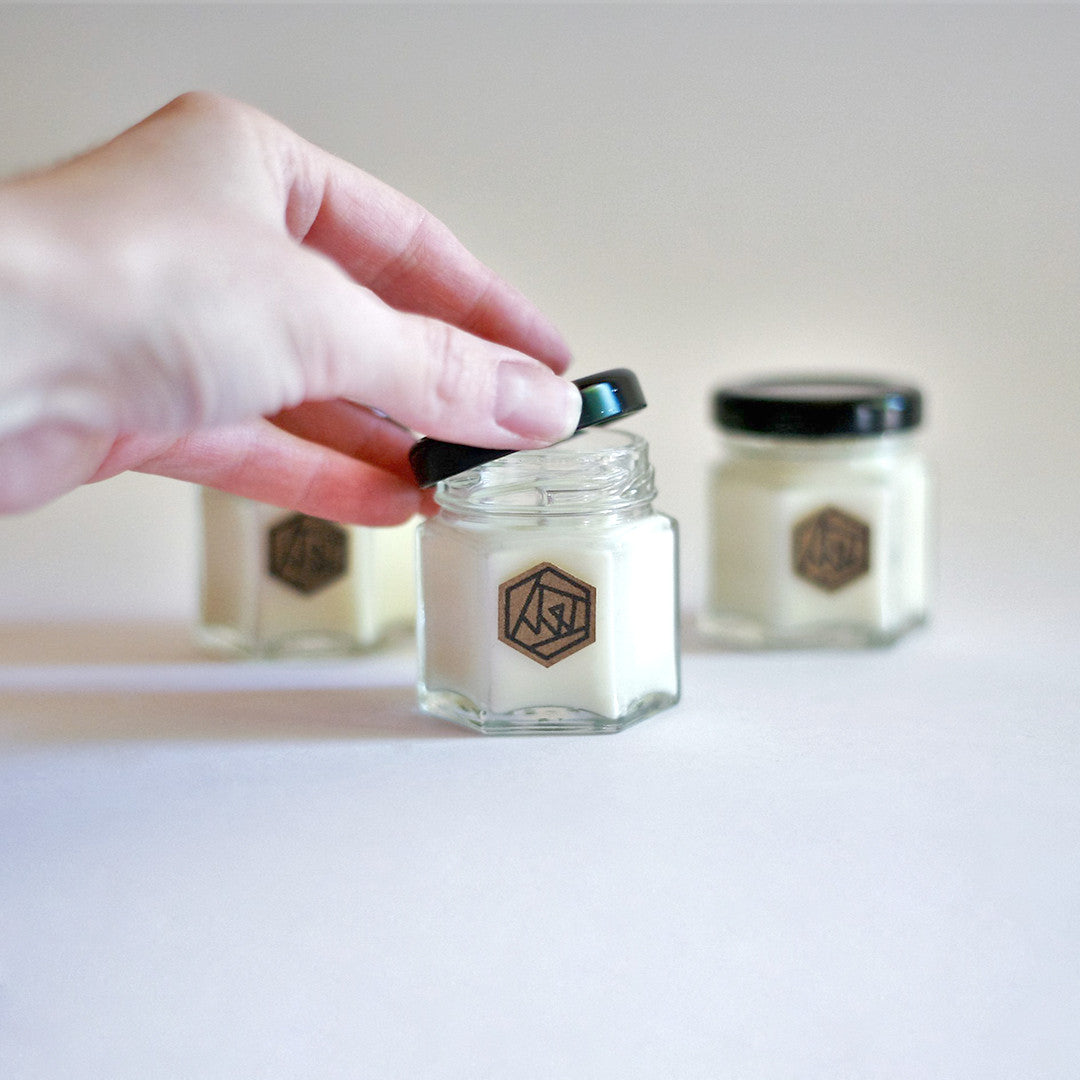 ROSE ROCK Hexagon Mini Soy Candle