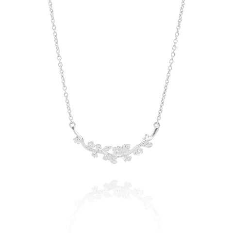 Stela Necklace in Silver