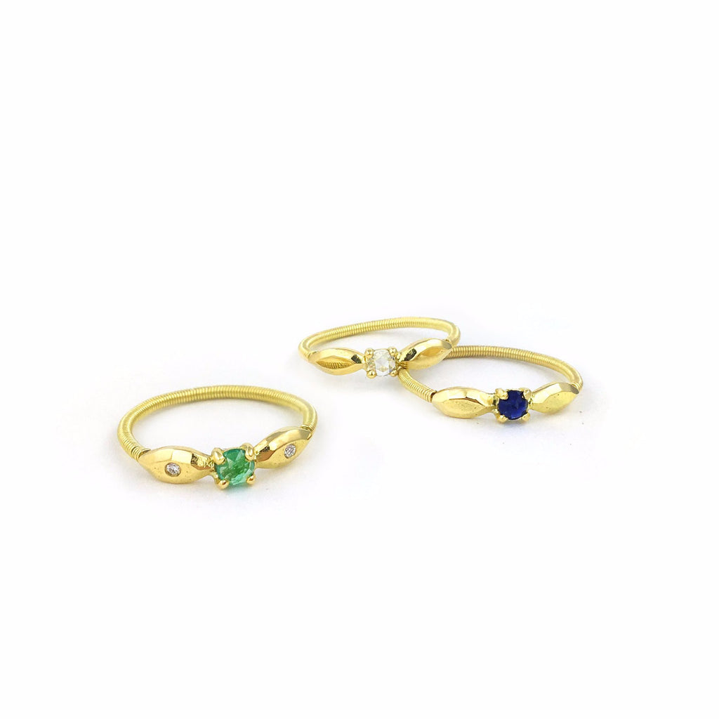 Juni Twist Emerald & Diamonds Ring