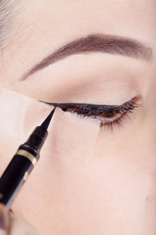 Scotch Tape Winged Liner hack