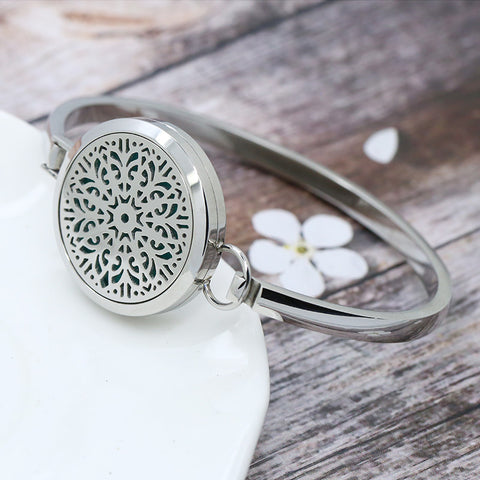 'Shining Bright' Locket Essential Oil Bracelet Diffuser