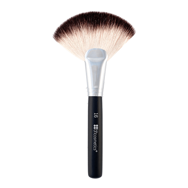 BH Cosmetics Deluxe Fan Brush