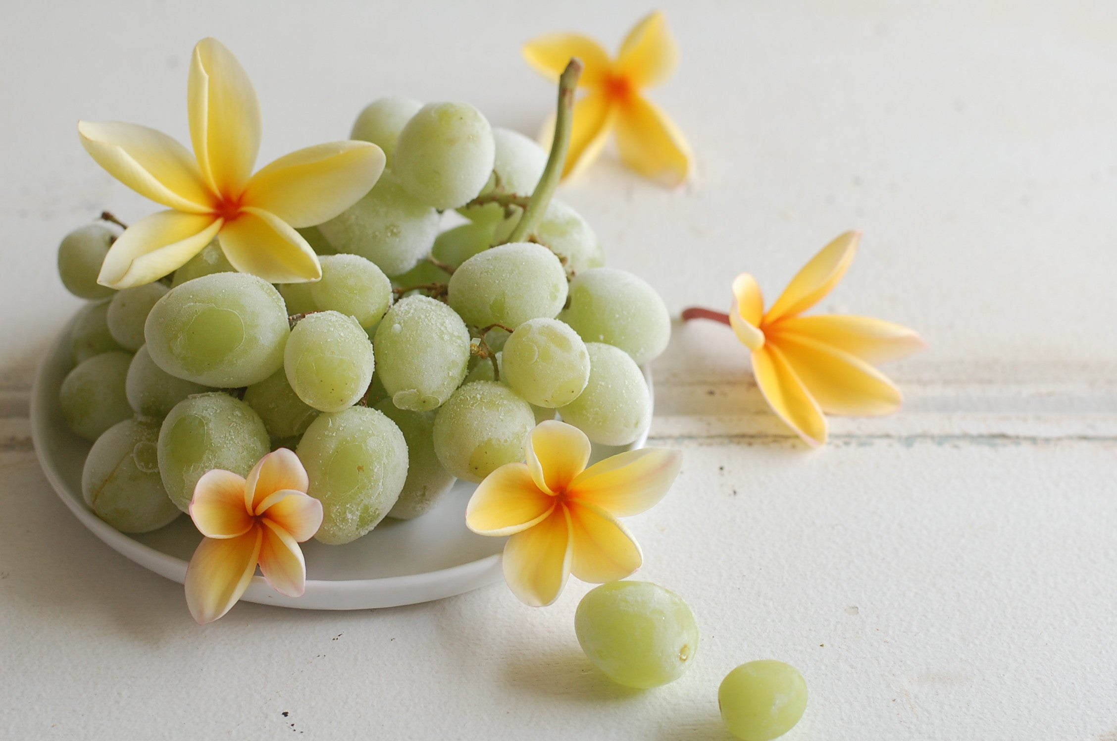 frozen grapes for summer time snacking