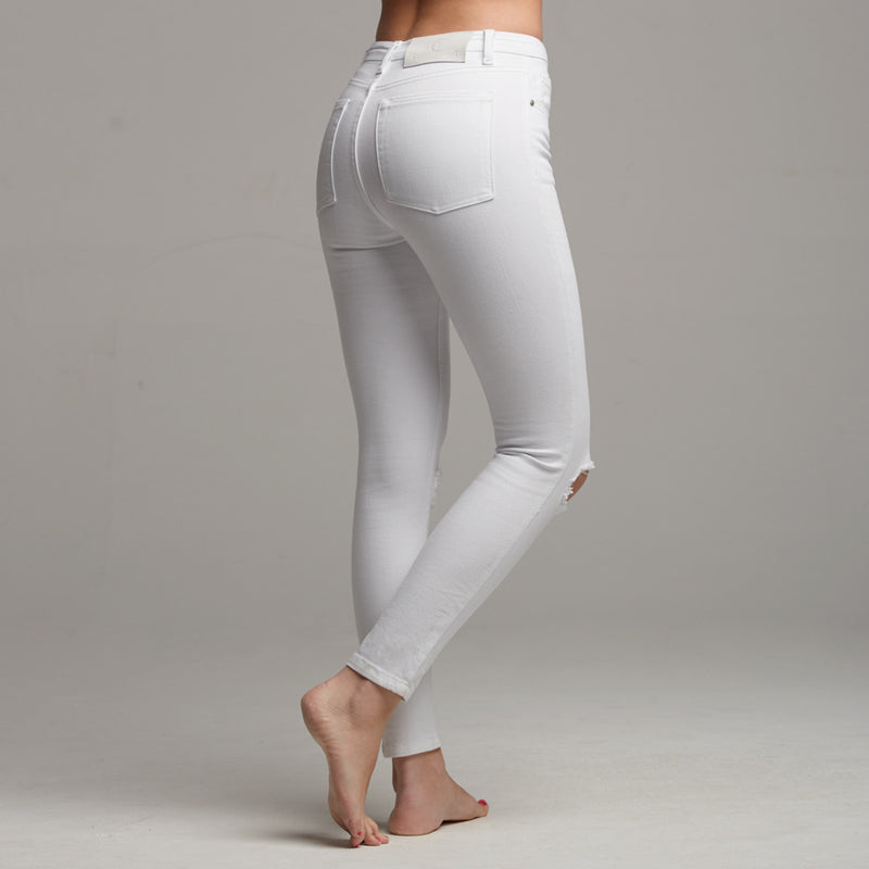 GIGI RIPPED WHITE JEANS - CT059