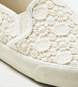 AE Outfitters Crochet Sneakers