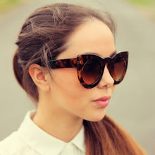 Load image into Gallery viewer, DESIGNER OVERSIZE ROUND CIRCLE POINTED CAT EYE SUNGLASSES