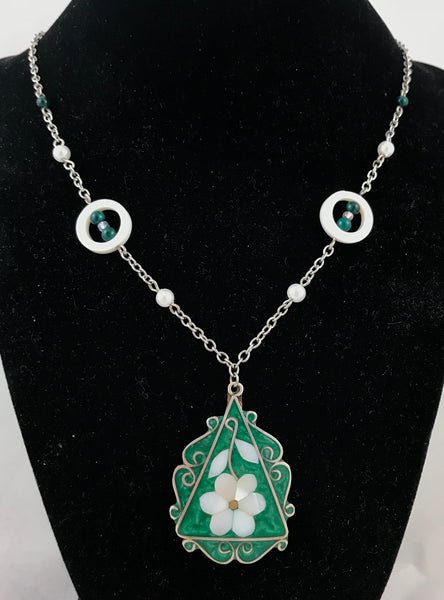 Pure Beauty (Necklace & Earring Set)