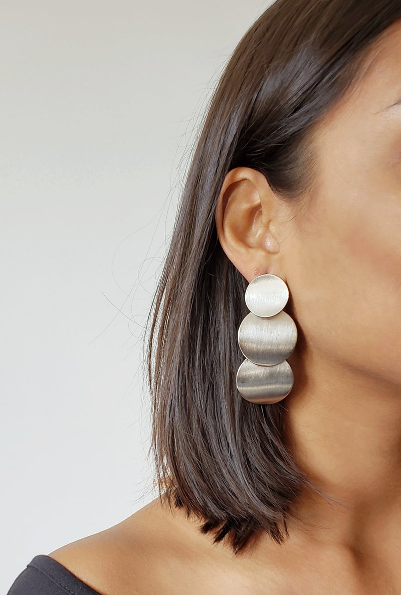 JESSICA SILVER CIRCLE EARRINGS