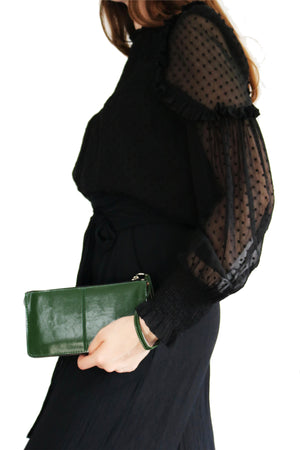 EVIE FOREST GREEN WRISTLET CLUTCH