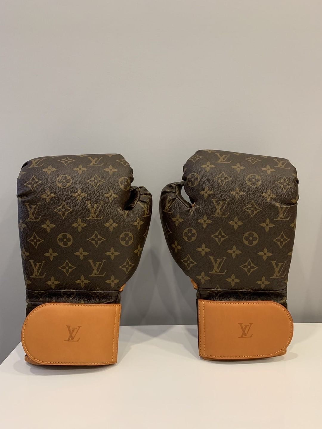 Louis Vuitton Karl Lagerfeld gloves