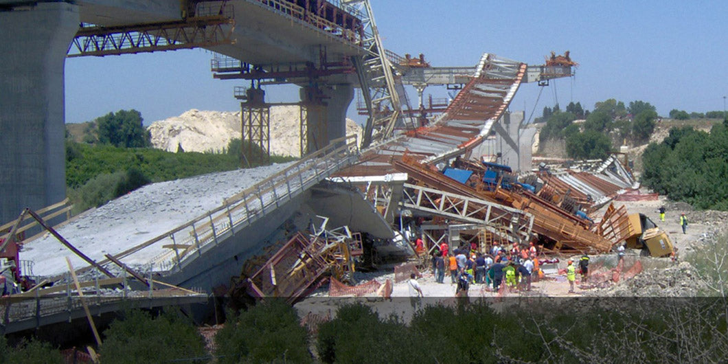 collapse of three spans of the Porcaria Bridge along with the erection gantry