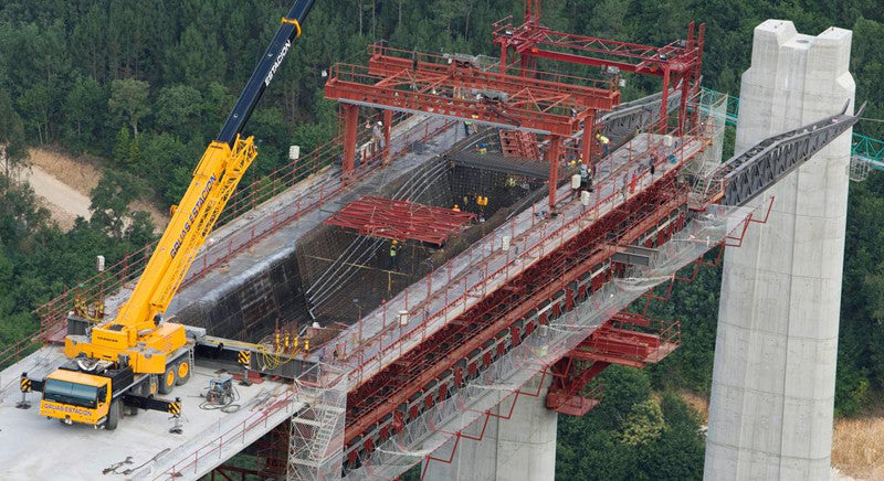 underslung movable scaffolding system (MSS)