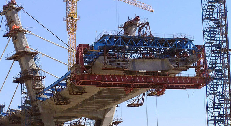twin edge girders for precast segmental cable-stayed bridges
