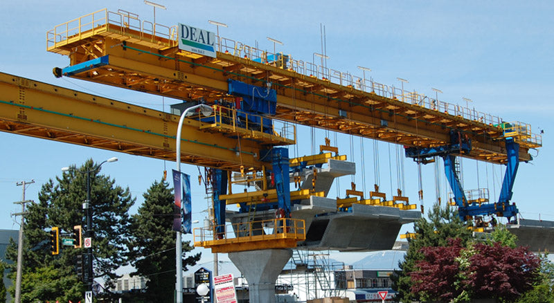 articulated self-launching gantry for span-by-span erection of precast segmental bridges