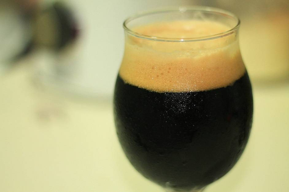Nitro Stout: How to Serve Beer With Guinness Style Cascading Head