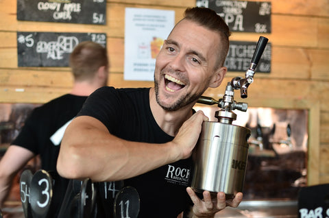 iKegger Hummer growler filling at The Rocks Brewery