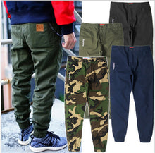 Load image into Gallery viewer, Men's Solid Cotton Jogger Pants