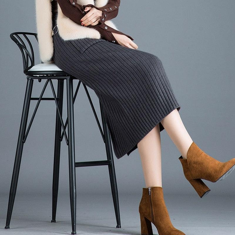 Elegant Ribbed Knitted Pencil Midi Sweater Skirt