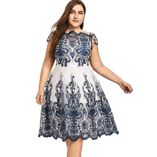 Lace Scalloped Tulle Boat Neck Short Sleeves A-Line Dress