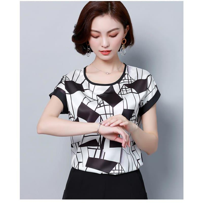 Black and White Stripes Summer Chiffon Loose Blouse - Sleeveless