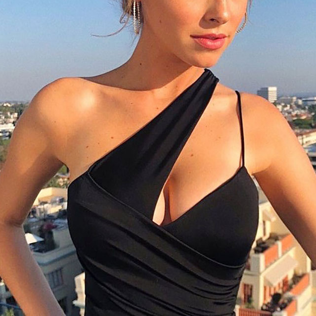 Sexy One Shoulder Padded Sports Bra