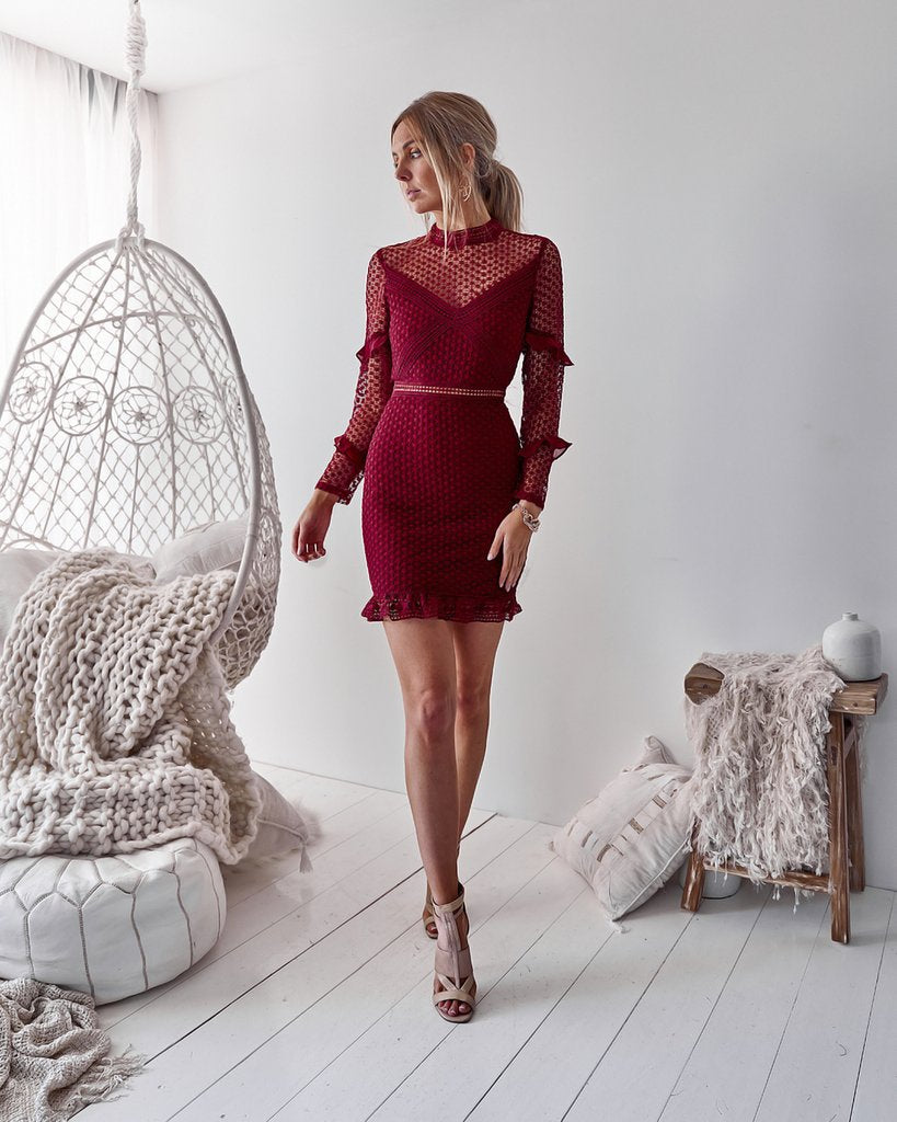 Solid Color Lace Long Sleeve Bag Hip Dress