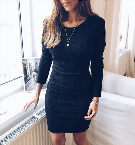 Design long-sleeved V-neck dress
