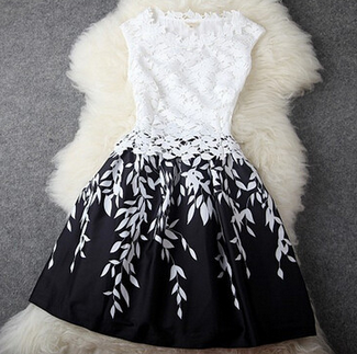 Black And White Stitching Lace Halter Dress