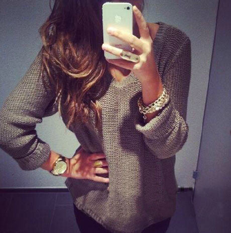 Solid color round neck long-sleeved sweater