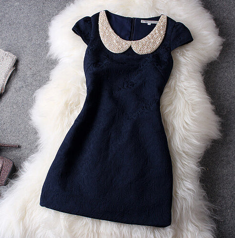 SLIM SOLID COLOR SHORT-SLEEVED DRESS