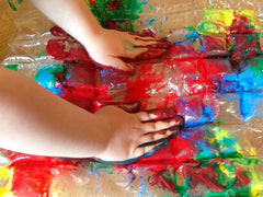 http://mykidcraft.com/bubble-wrap-prints/bubble-wrap-prints-kids-craft-prints-kids-messy-prints-toddler-art-ideas-im99731/