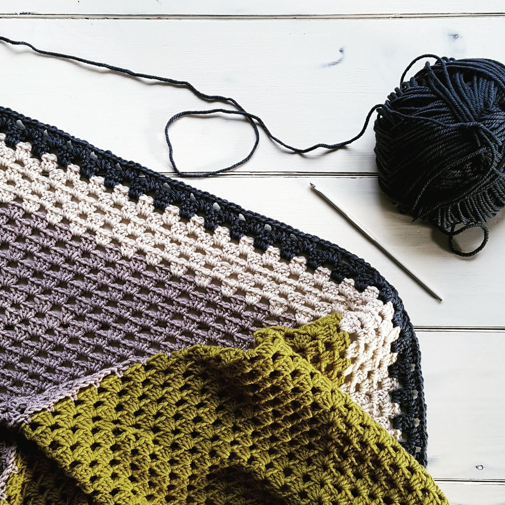 INSPIRATION - Colour Block Throw by Crochet Birdie