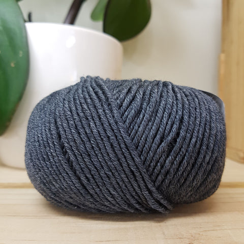 Yarn | Nordica 8ply Merino - Charcoal