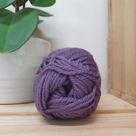 Yarn | Loyal - 8ply - 100% Wool - Heather