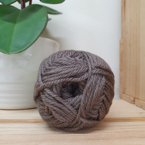 Yarn | Loyal - 8ply - 100% Wool - Coffee