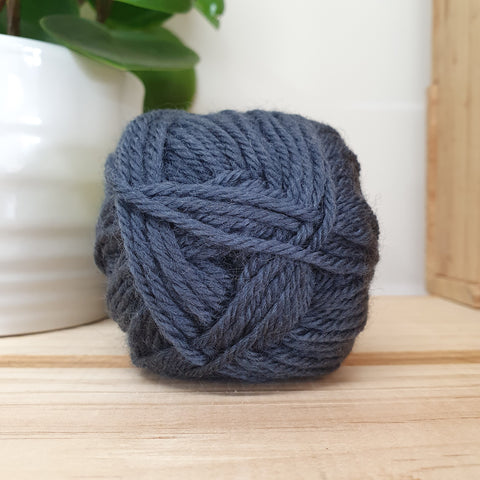Yarn | Loyal - 8ply - 100% Wool - Shadow