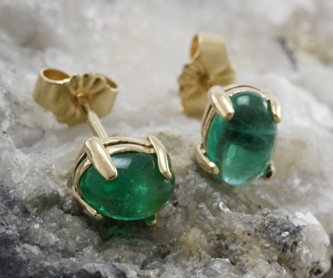 14K Gold 6mm Cabochon Emerald Stud Earrings