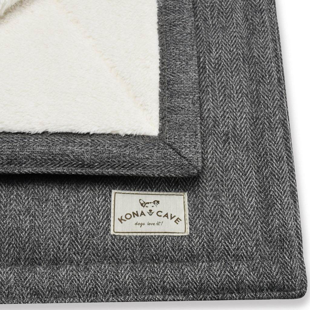 KONA CAVE® Grey Herringbone Pet Blanket with Sherpa fleece lining is beautifully soft to the touch