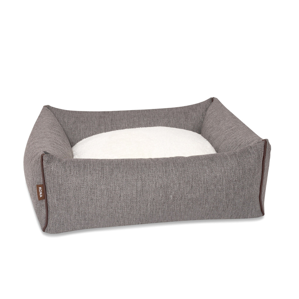 KONA CAVE® luxury dog bed in elegant herringbone fabric with leather trim.  Graues Hundebett.