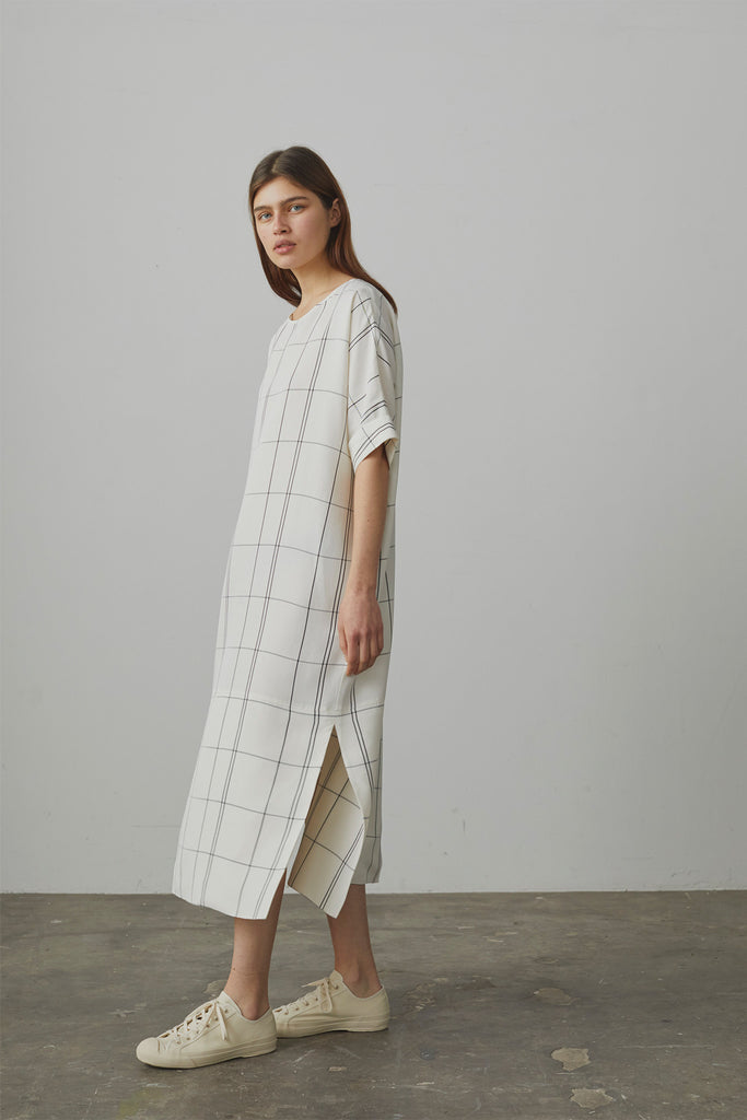 Ercole Oversize Dress In Ivory / Grey Check - Studio Nicholson